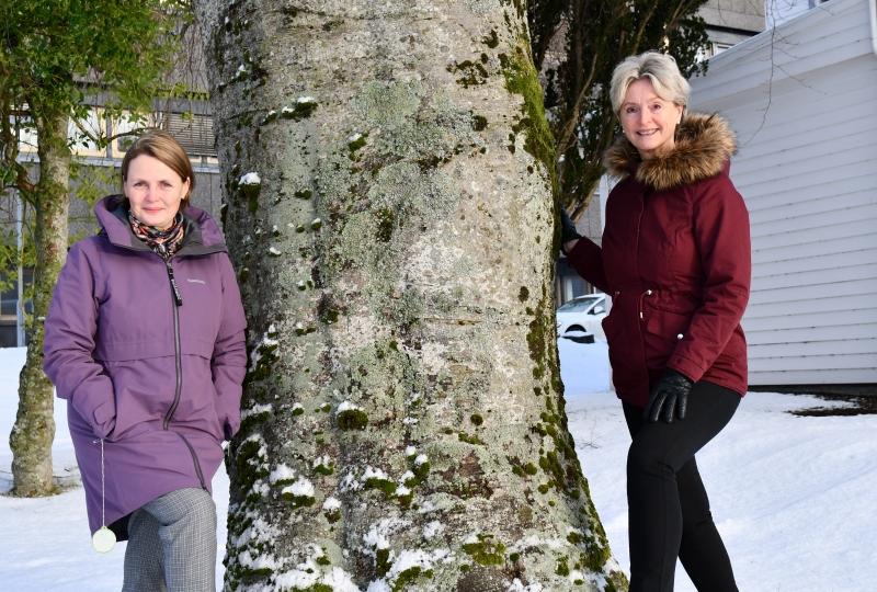 Heidi-Iren og Tove-Lise ved tre Folkehelseunderøkinga