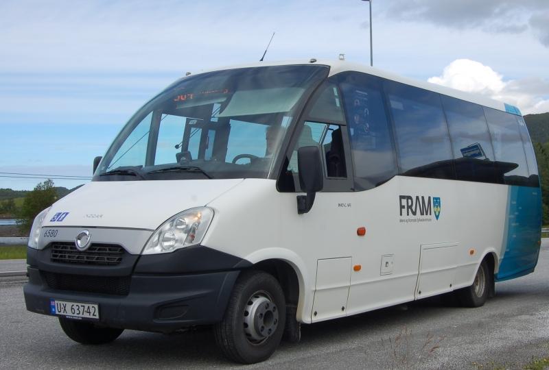 Minibuss fram